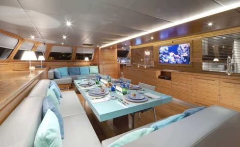 Che Sunreef Catamaran 7
