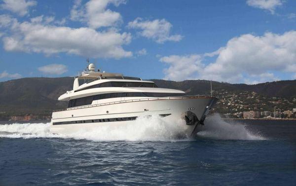 San Lorenzo Yacht 100