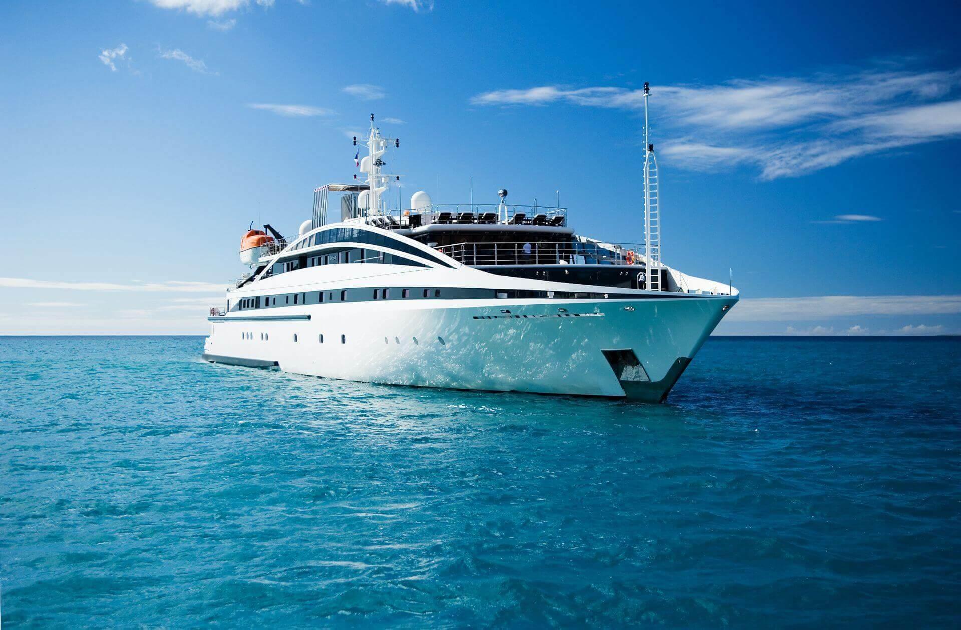 yacht-rm-elegant-exterior-07-554c551752e96_v_default_big.jpg