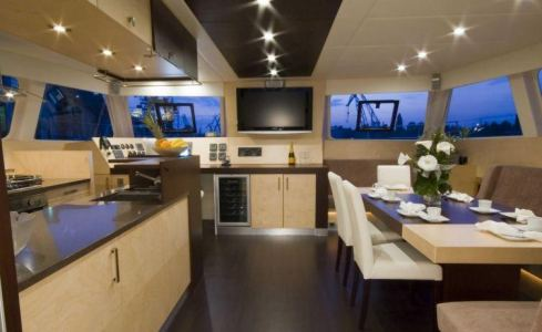 Depende IV Sunreef Catamaran 4