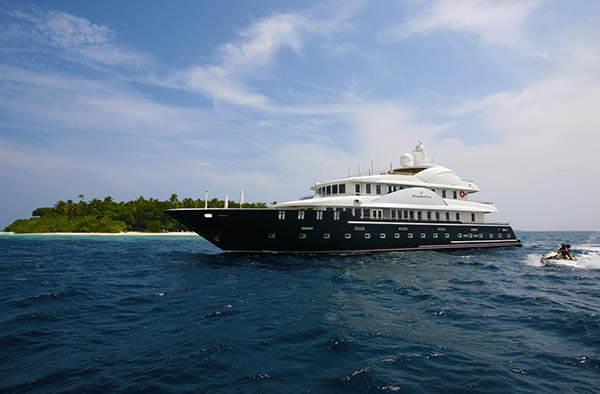 Fairline Maldives Yacht 132'