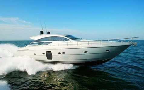 Splendid V Pershing Yachts 1