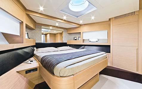 Splendid V Pershing Yachts 3