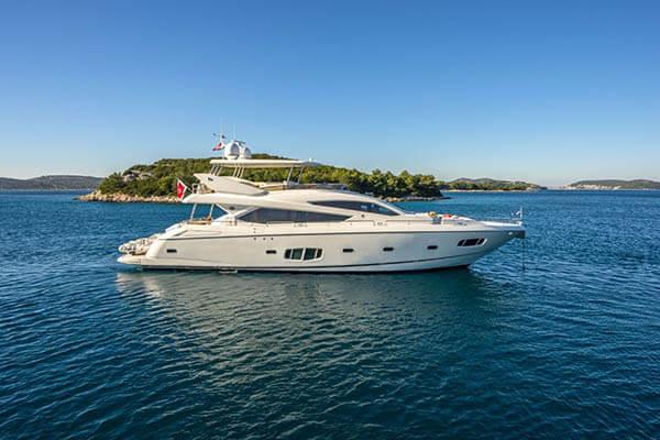 Sunseeker Yacht 80'