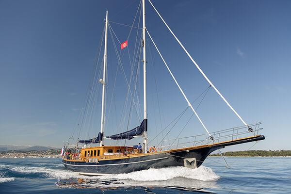 ISA Yacht 62M