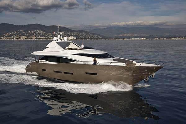 Custom Peri Yachts 28M