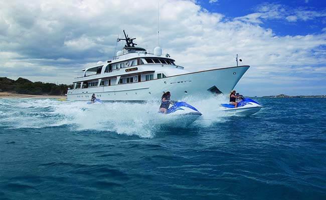 Mie-shipyard_yacht_for_charter_Big-eagle_3897.jpg