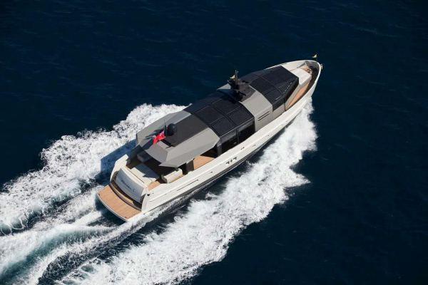 Arcadia Yacht 85'