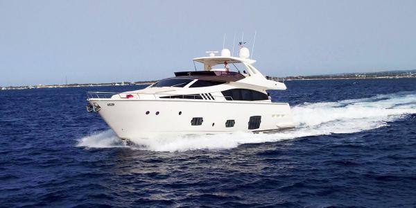 Ferretti Yacht 80'