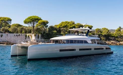 DOUBLE DOWN Lagoon Catamaran 1
