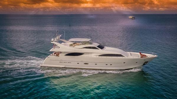 Ferretti Yacht 94