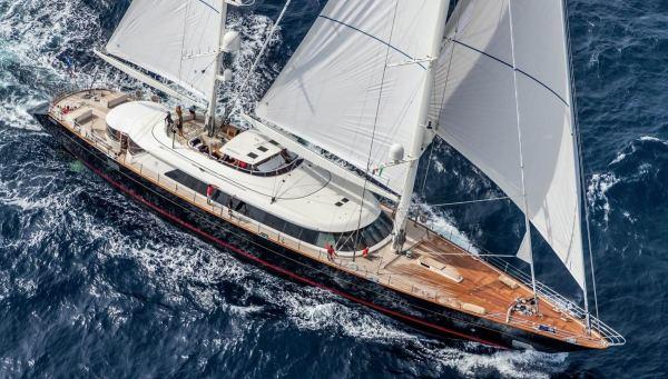Lubecker Flender Yacht 122M