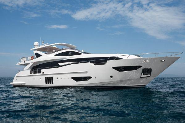 Azimut Yachts Grande 30M