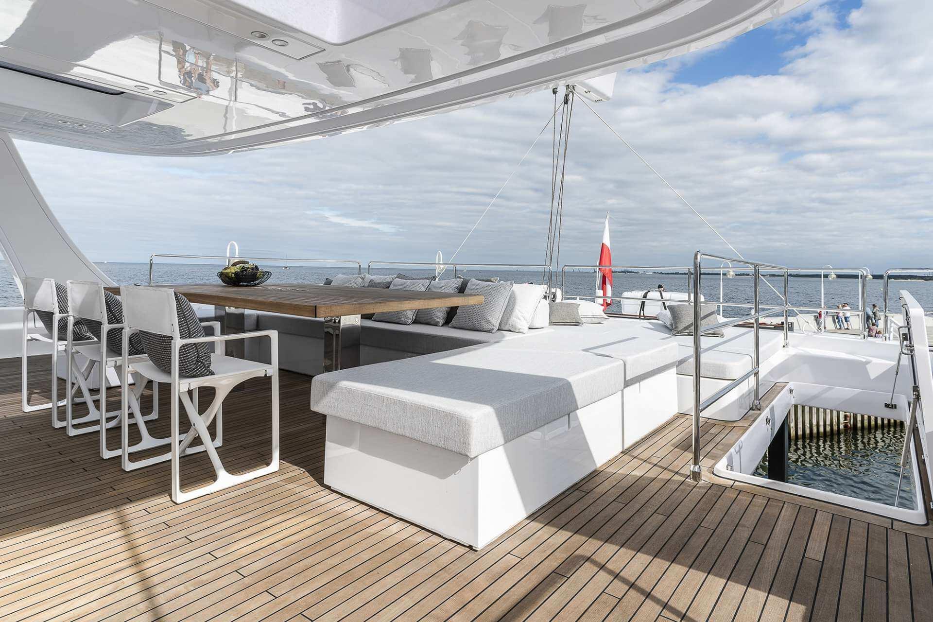 ENDLESS HORIZON Sunreef Catamaran 6