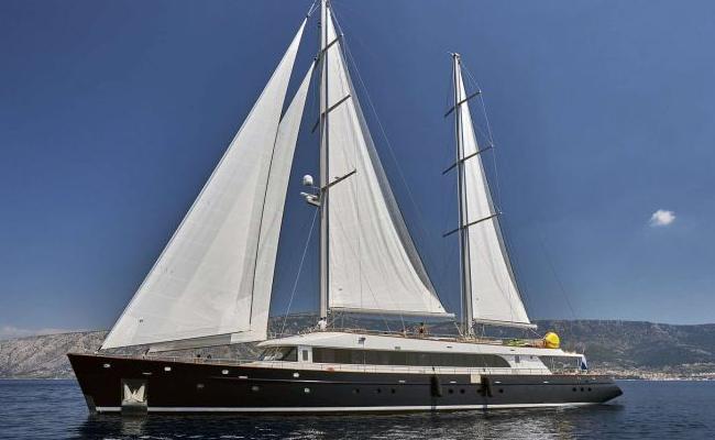 2021_customyacht43m1614003332.jpg