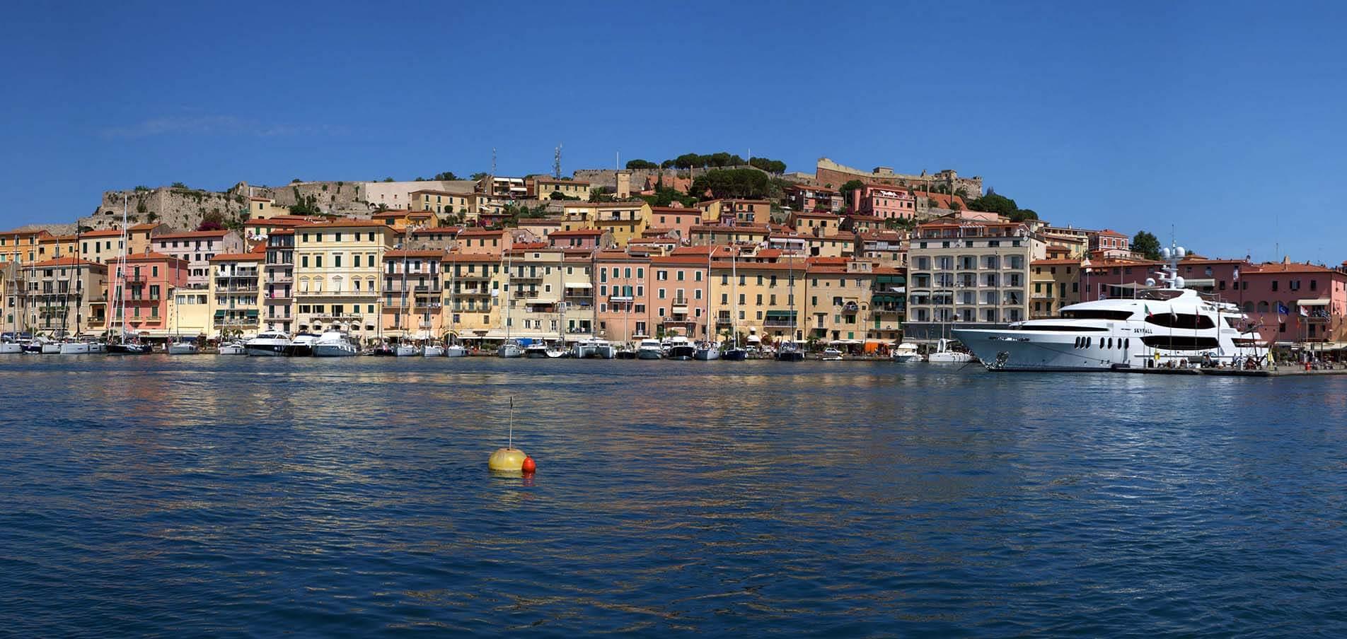 Superyacht charter Toscana